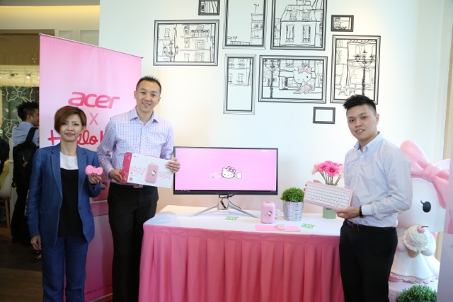 02 Acer Malaysia Marketing Manager Stephanie Ho with Head of Products Johnson Seet and Product Manager with the limited Acer Revo One Hello Kitty
