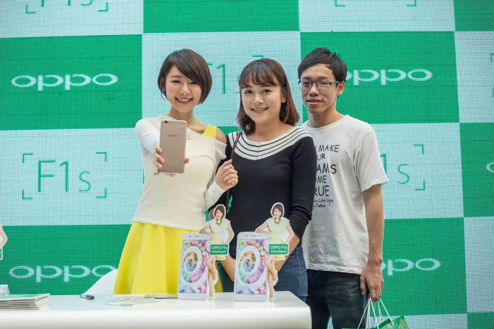 Min Chen OPPO F1s' First  Sale Roadshow Penang