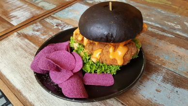 Burger w Mister Potato Sweet Potato Crisps