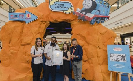Thomas & Friends™ All Aboard The Malaysia Book of Records at 1 Utama Shopping Centre