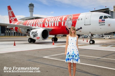 Taylor Swift arrives in Kuala Lumpur on AirAsia's A320 Aircraft