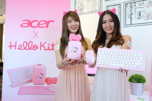 04 Models showing off the Acer Revo One Hello Kitty edition