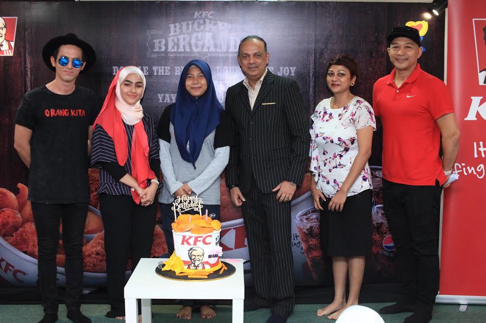 KFC Spreads Joy With Its New KFC Bucket Berganda