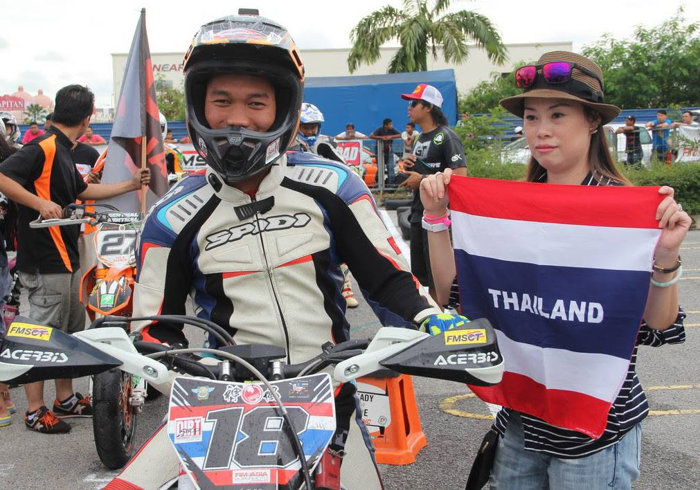 Trakarn Throttles The 2017 FIM Asia SuperMoto Championship