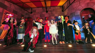 Don't forget that kids dressed in full Halloween custumes enter for FREE