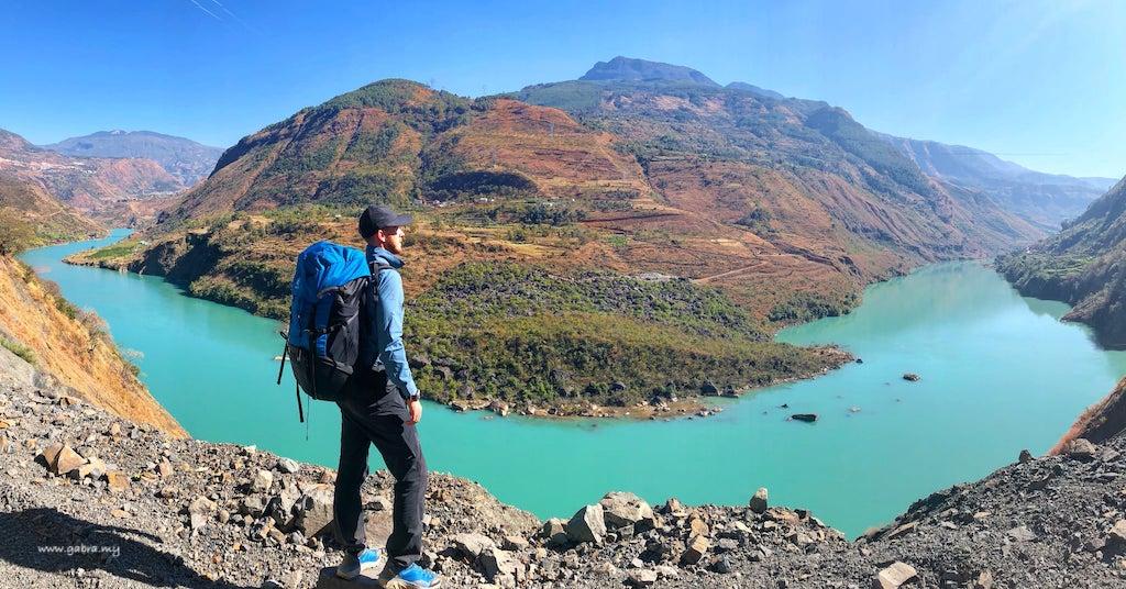 Walking the Yangtze with Ash Dykes